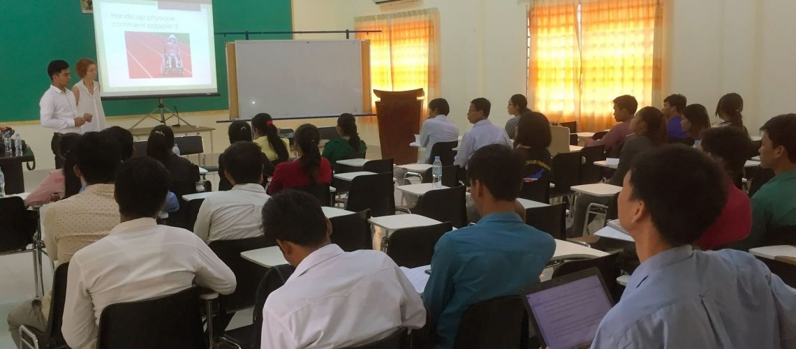 Formation à l'éducation inclusive à Battambang, Cambodge